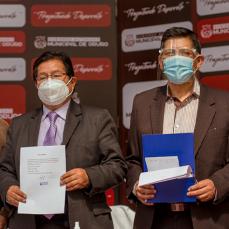 CBN donó al departamento de Oruro trajes de bioseguridad hechos en Bolivia