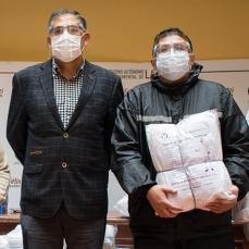 CBN donó al Sedes de La Paz trajes de bioseguridad hechos en Bolivia