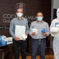 CBN entregó a Cochabamba material de bioseguridad hechos en Bolivia