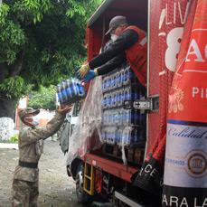 CBN y PepsiCo entregan gaseosas a instituciones de primera línea de Bolivia