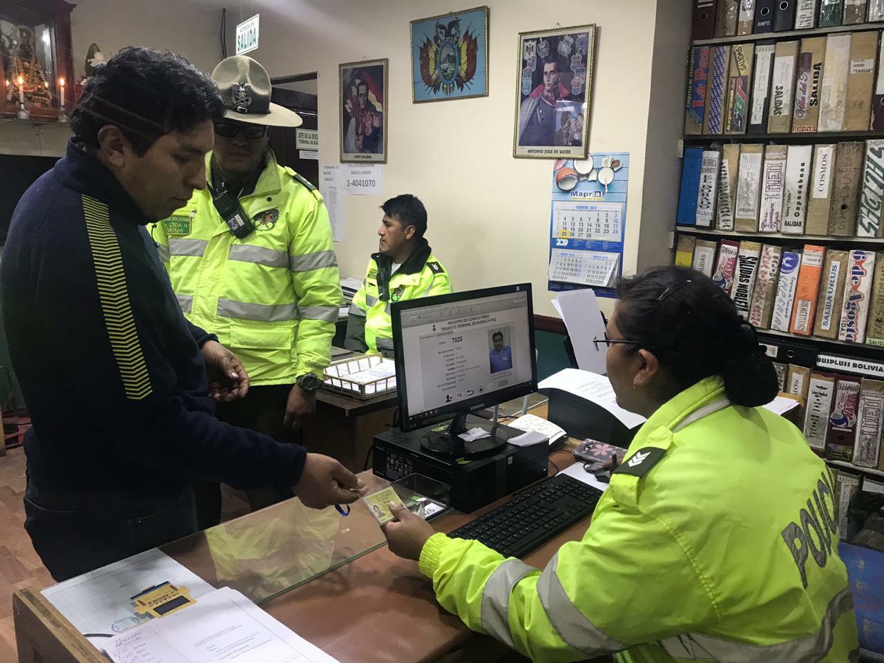 VMSC, CBN y Tránsito lanzan sistema de control  electrónico policial para choferes y buses