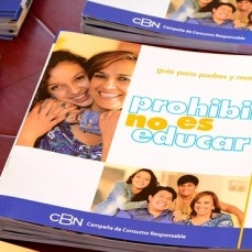 Más de 90 mil padres de familia recibieron guías para prevenir consumo de alcohol en menores