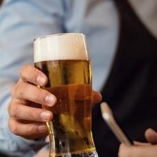 Más de mil meseros y bartenders aprenden medidas de bioseguridad y atención al cliente vía online