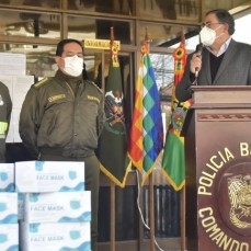 Policía Boliviana y FF.AA. reciben más de 60 mil barbijos de parte de la CBN