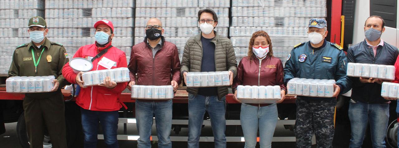CBN entregó 20.160 unidades de agua para bomberos en Tarija